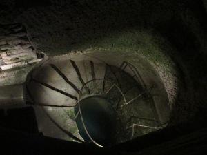 Quarryman's footbath well
